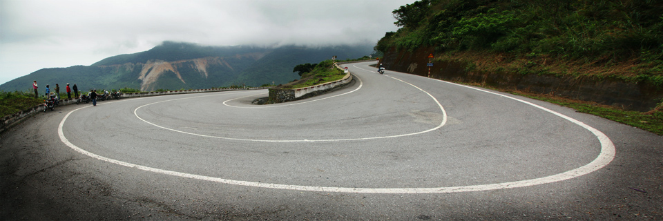 Motorbiking Hai Van Pass